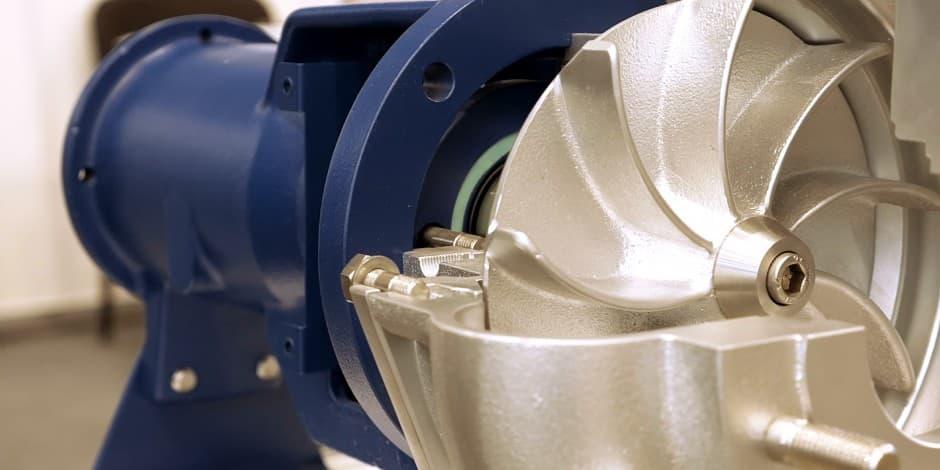 Centrifugal Pumps vs. Positive Displacement Plunger Pumps